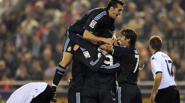 El Madrid se hace mayor en Mestalla