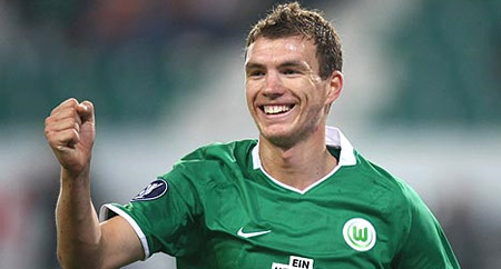 El Wolfsburgo no piensa negociar por Dzeko