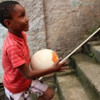 El balón de fútbol que genera electricidad para iluminar las zonas más desfavorecidas del planeta