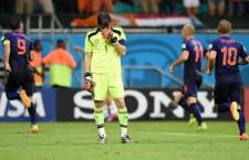 España se estrella en su debut