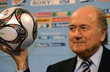 La FIFA reelige al cuestionado Blatter como su presidente