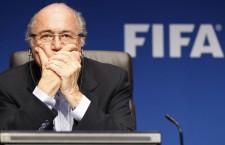 Joseph Blatter dimite como presidente de la FIFA